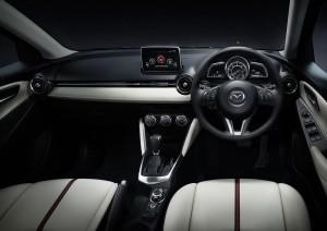 Mazda2-inerior