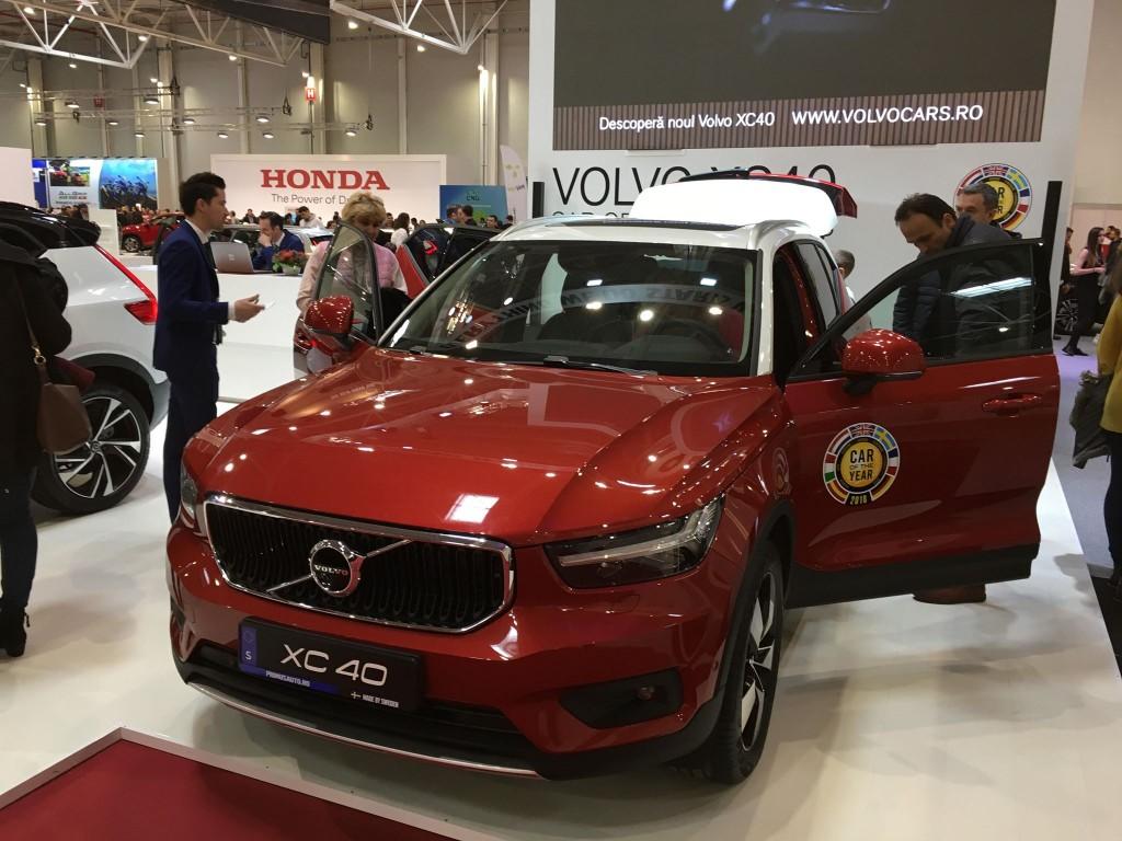 Volvo-XC40-2