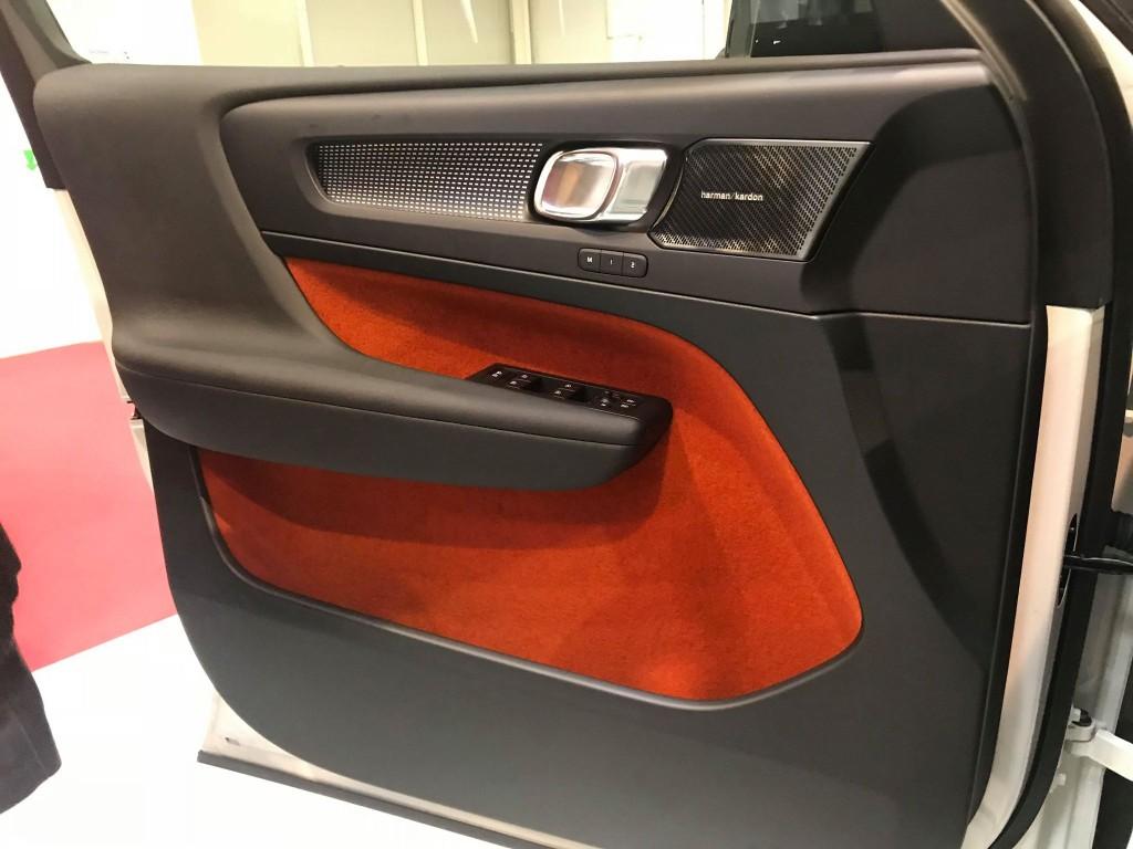 Volvo-XC40-interior2