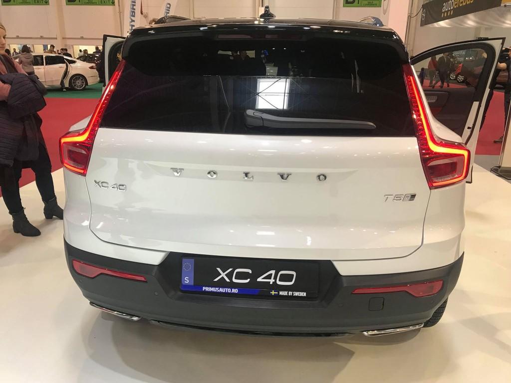 Volvo-XC40--spate