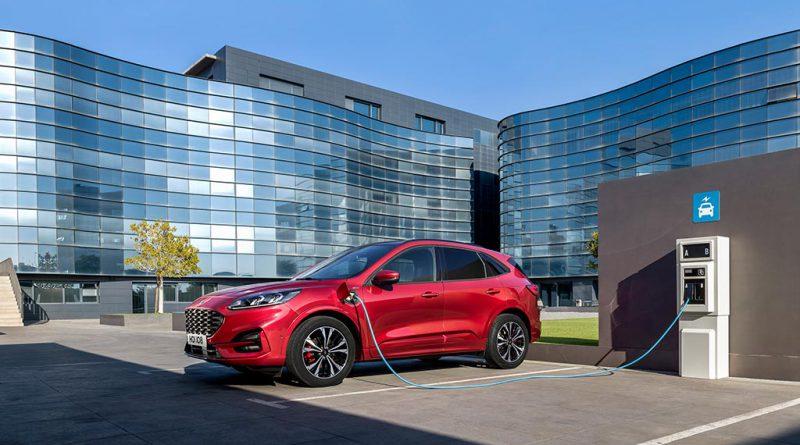 Ford și curentul electrificării: Noul Kuga a fost prezentat și aduce trei tipuri de motorizări hibride